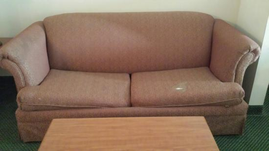 Comfort Suites Mesquite: The hotel is clean but old and need a serious make over,new furniture and paint job , not worth