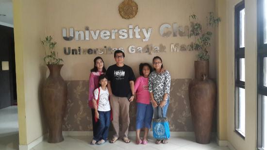 University Club Hotel: DI DEPAN SUDUT HOTEL UGM