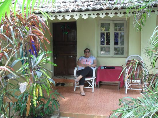 Palm Grove Cottages: Outside our room - very nice