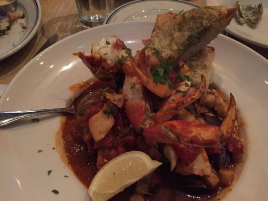 Woodhouse Fish Company: cioppino