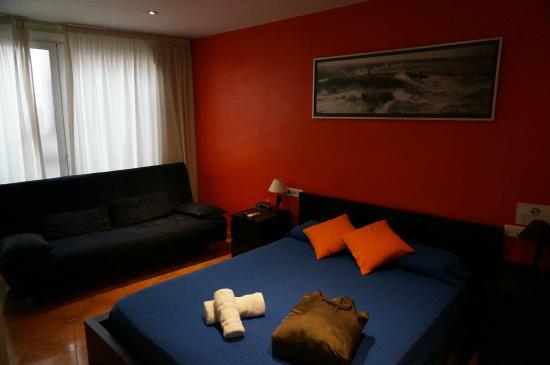 Barcelona City Centre Hostal : 部屋