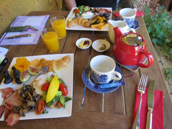 Erravilla Country Estate: First day breakfast