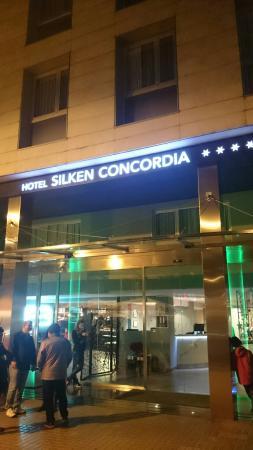 Silken Concordia Hotel : Façade de l'hôtel