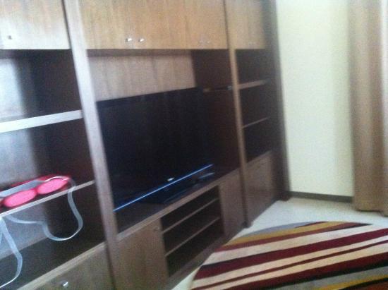Marriott Executive Apartments Riyadh, Makarim: living area 2bedroom
