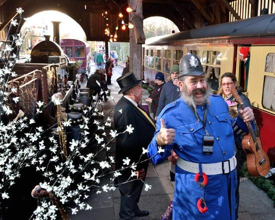 Didcot Railway Centre: Christmas in the Transfer Shed