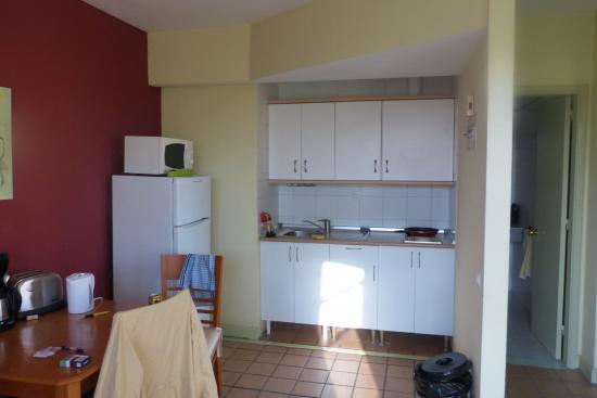 El Cardonal Apartments: Køkkenet