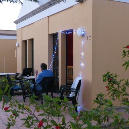 El Cardonal Apartments: Udendørs terresse med 3-4 stole