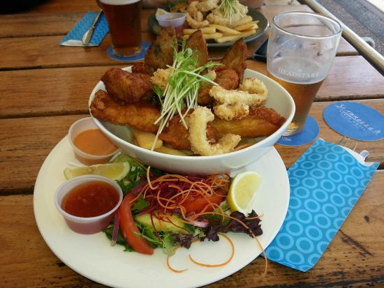 Seabreeze Beach Hotel: Seafood temptation