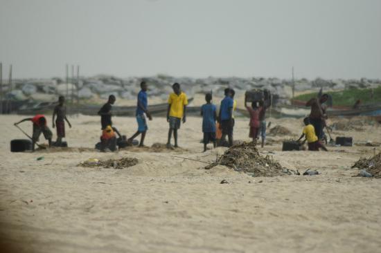Lagos State, Nigeria: Local fishermen at Tarkwa Bay.
