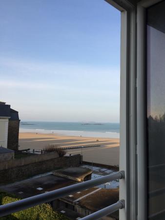 Hotel Alpha Ocean : Vue de la chambre (depuis le lit), bruit des vagues et des mouettes au réveil... Juste génial!