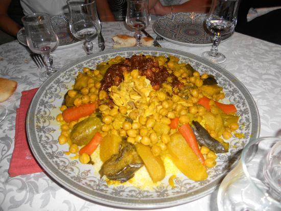 Restaurant Galas: Une partie du repas, un couscous