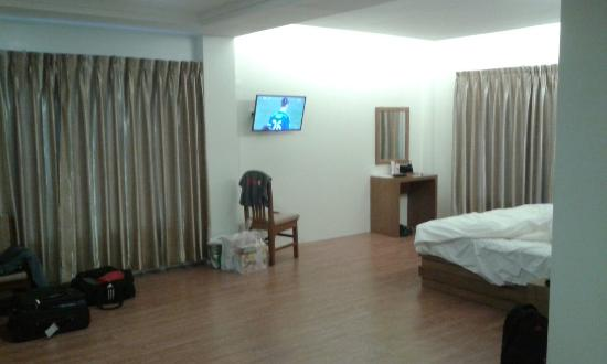 Ngwe Moe Hotel Mawlamyine: Large Spacious Room With Two Big Windows That  Have Thick Curtains