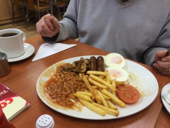 Breakfast was over flowing!