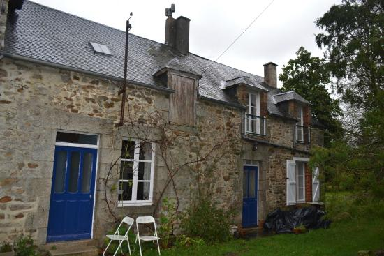 Les Hautes Loignieres : a typical country house