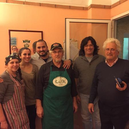 Cisano sul Neva, Ιταλία: Il fantastico staff...persone speciali  Grazie davvero di tutto!