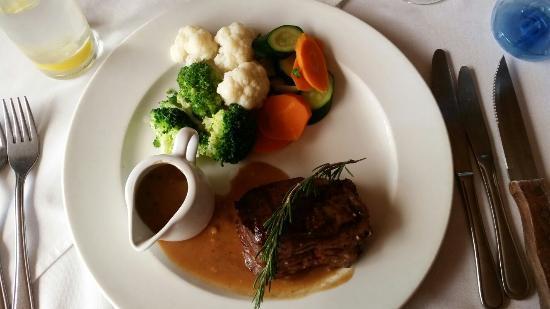 Jemima's Restaurant: Ostrich Fillet - Banting style