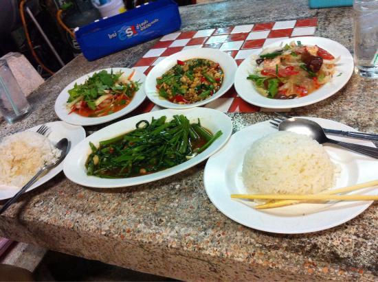 Kao Tom Por Peang : Super lecker Essen für ~ 10 €