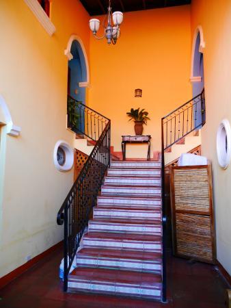 Casa San Francisco: schodisko na vyššie poschodia hotela