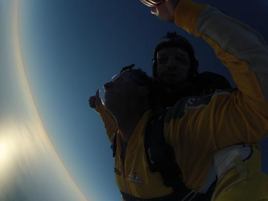 Skydive Algarve : Staring at the Sun