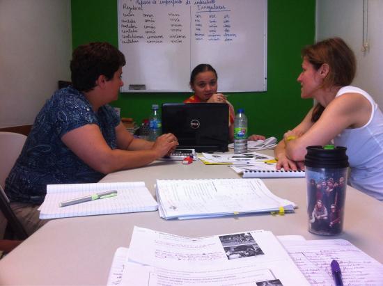 Habla Ya, cours d'espagnol et écotourisme : During one of many productive classes with Profesora Leidys.