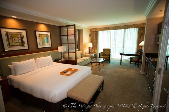 Balcony Deluxe suite room - Picture of Signature at MGM Grand, Las ...