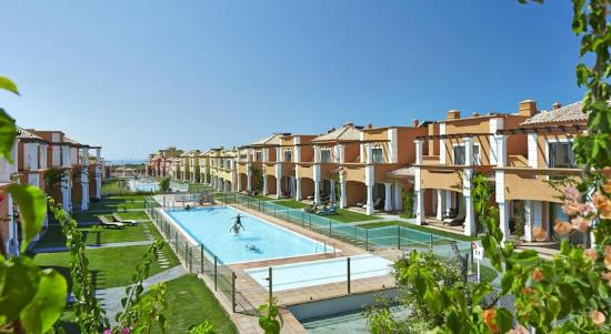 Lux tavira residence villa reviews price comparison for Residence luxe
