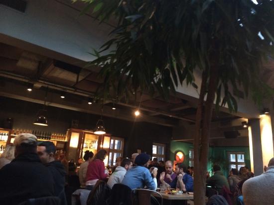 Fouar Restaurant & Bar: 2-01-15