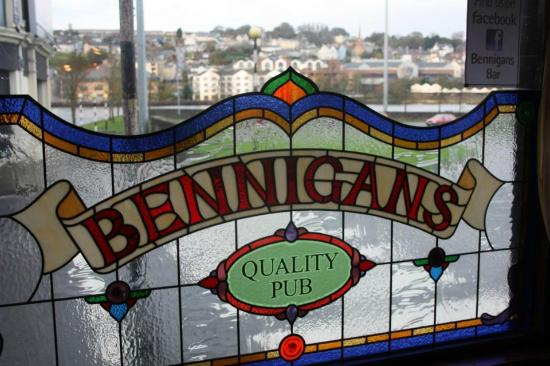 Bennigans Bar and Jazz Club