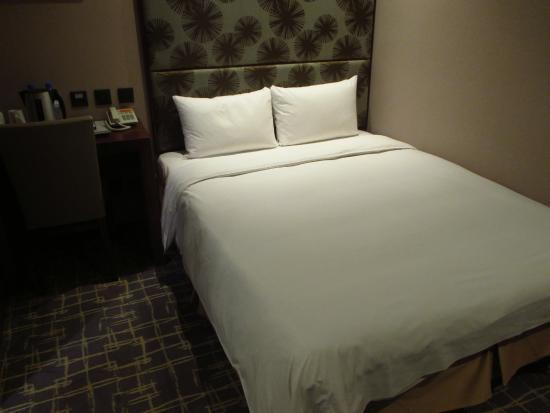 Orange Hotel - Guanqian: room2