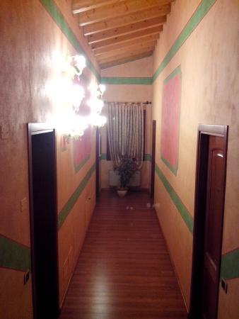 Agriturismo Fondo San Benedetto : Corridoio camere
