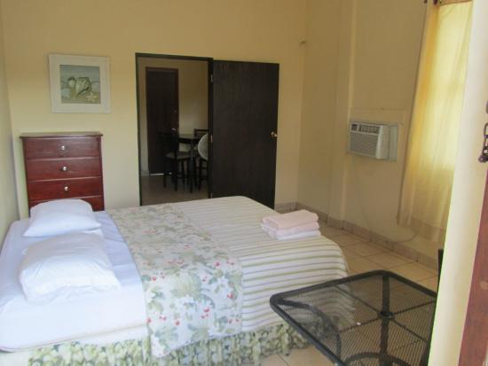 Rincon Inn: Suite main room