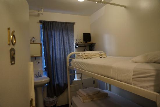 American Dream Hostel: Room