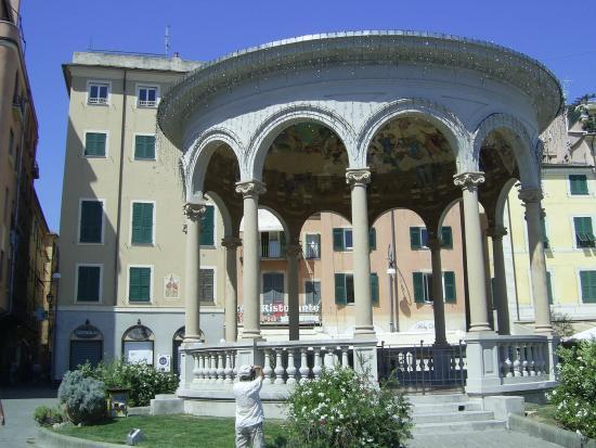 Chiosco della Musica : Et kunstverk midt i sentrum av Rapallo.