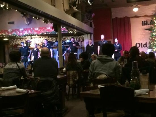 Black Barts Steakhouse: Entertainment at Black Barts