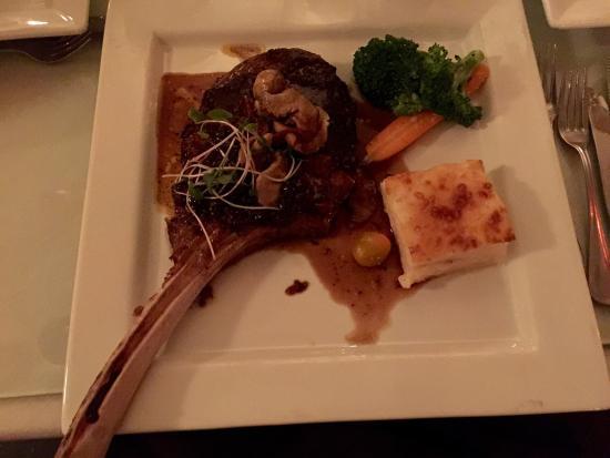 IL Angolo Resto-Bar: Tomahawk Steak