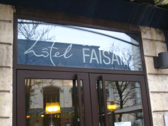 Ibis Bordeaux Centre Gare Saint-Jean Euratlantique : Entrance of the hotel