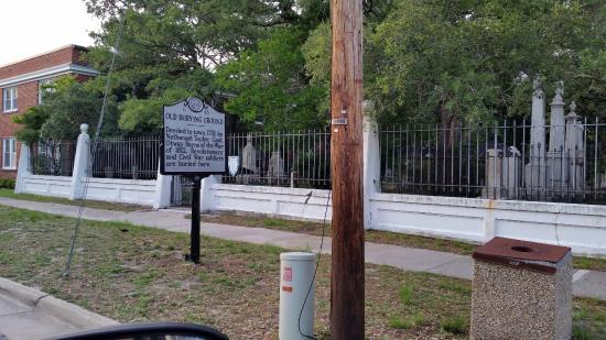 Beaufort Historic Site Old Burying Ground: burying ground  ....