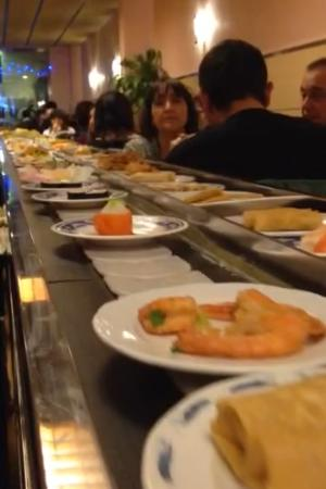 Magnificent Foto De Kaitensushi He Barcelona Buffet Giratorio Do Interior Design Ideas Oxytryabchikinfo