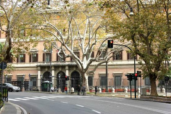 L 39 ambasciata americana in via veneto foto di via veneto for Complementi d arredo via veneto