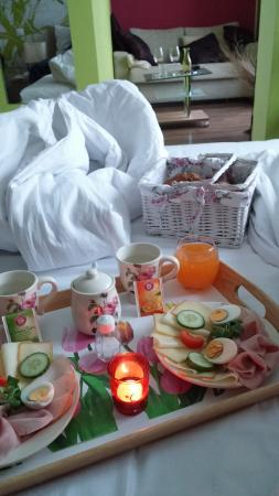 Design Hotel Romantick: breakfast in bed