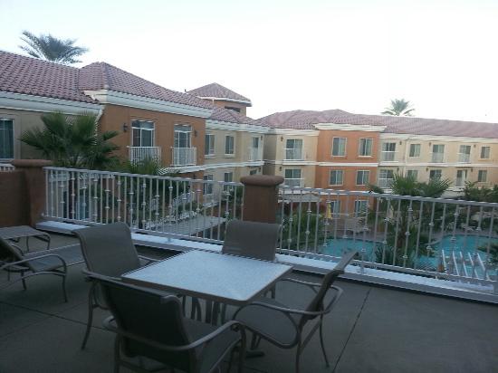 Homewood Suites by Hilton La Quinta: Boardroom suite balcony overlooking pool