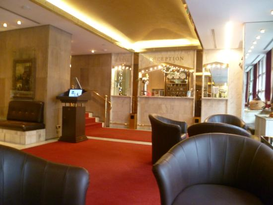 Derag Livinghotel Nurnberg: Lobby