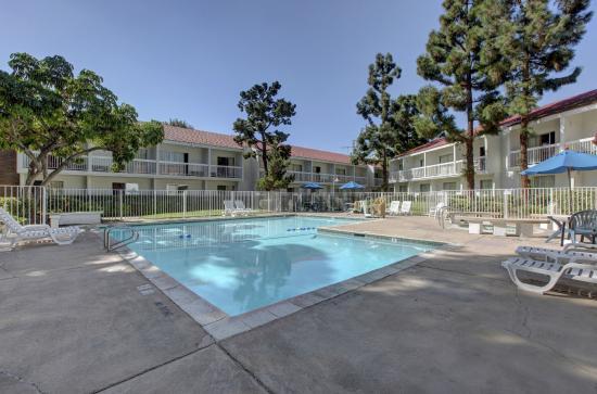 Motel  Dyer Rd Santa Ana