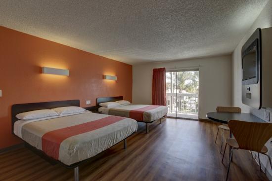 Motel 6 Irvine - Orange County Airport: Guest Room