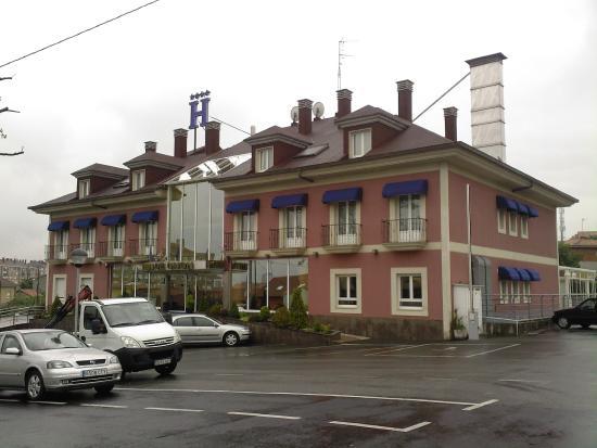 Villa de Gijon: FACHADA