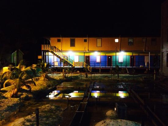 Dirty Mcnasty's Hostel : 5am before leaving to the blue hole dive.
