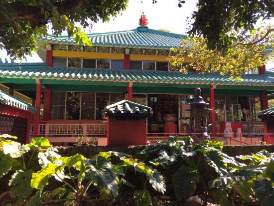 Chinatown: Temple Near Foster Botanical Garden