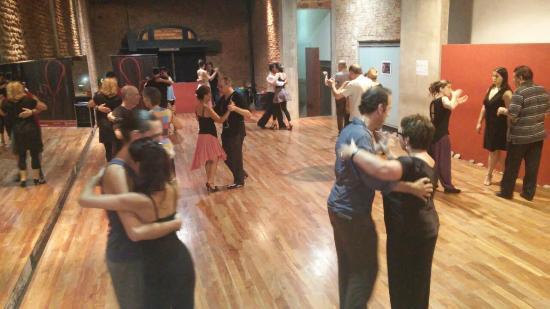 Mariposita de San Telmo: clases de tango