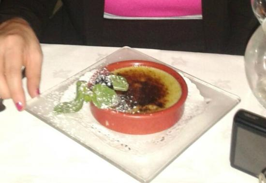 Bistrot du Pin : creme brulee al pistacchio