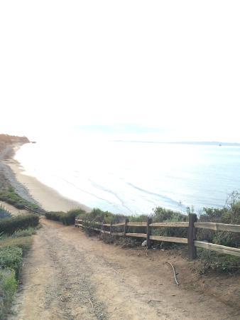 Goleta, CA: beach access/walking path